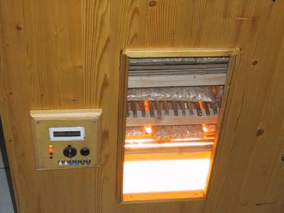 Erster Wärmeschrank